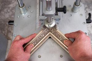 framer framing corner in machine